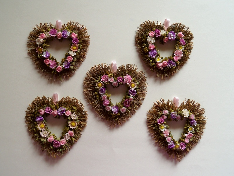 Sweetheart wreaths